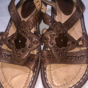 Earth 🌍 Sandals size 8